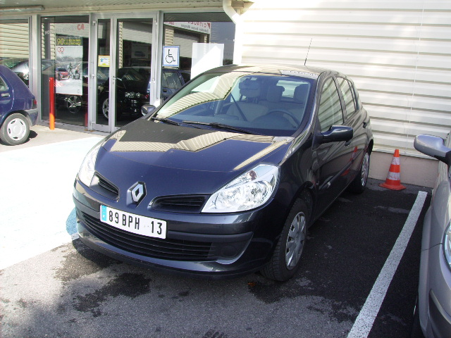 Renault clio dci 85cv confort v hicules occasions vente for Garage renault velaux